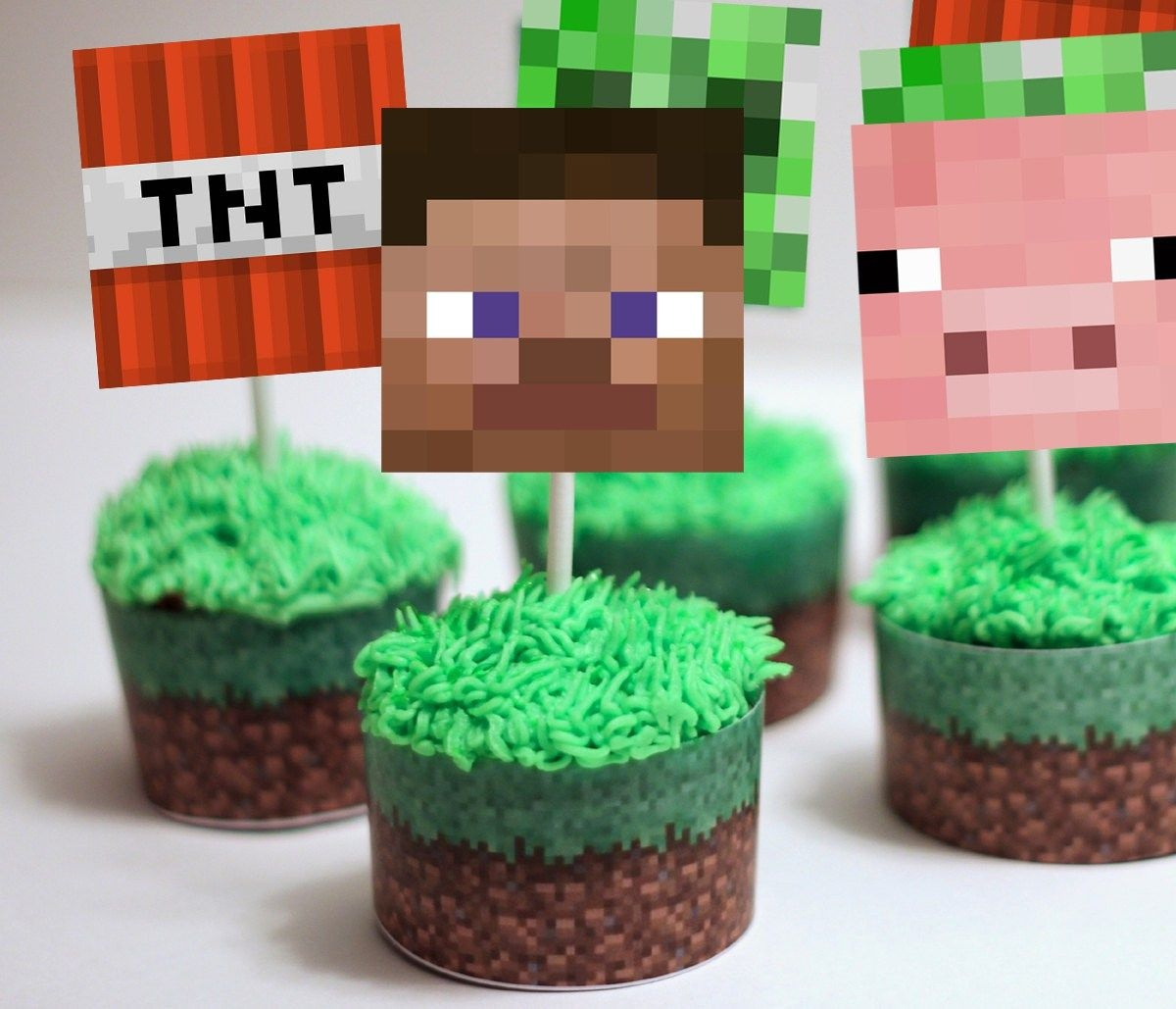 Minecraft Cupcake Toppers & Wrappers   Partyparty   Minecraft - Free Printable Minecraft Cupcake Toppers And Wrappers